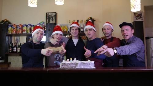Пермские хоккеисты готовятся к Новому году. Фото-очет